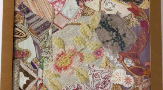 Posledná možnosť získať originálne textilné koláže a podporiť tým fungovanie Poradne Alexis